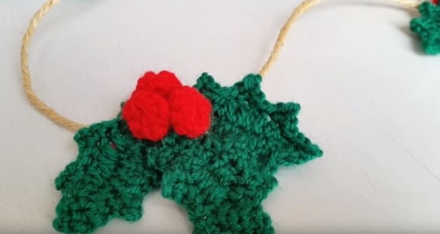 Crochet Holly leafs 4