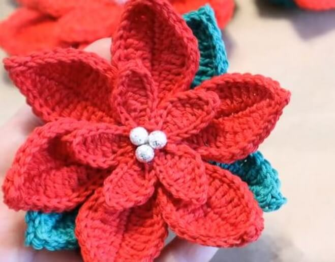 Crochet Christmas Poinsettia 4