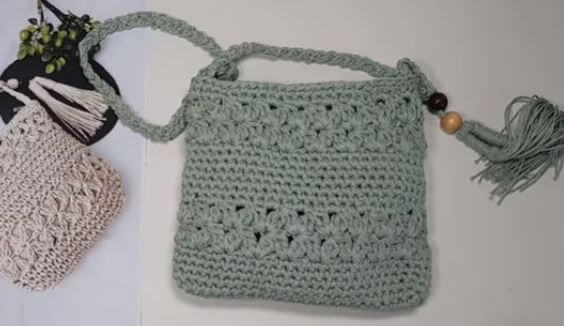 Crochet sling bag with Jasmine stitch 27