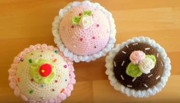 How to crochet cupcakes 11