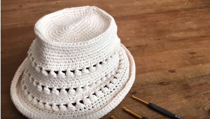 How to crochet a Summer Hat 14